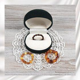 Borostyán gyűrűk