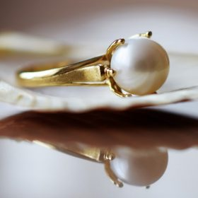 Tenyésztett igazgyöngyös gyűrűk