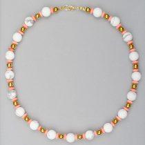 Carlotta - egyedi női ásvány nyaklánc, matt howlit, arany hematit és rózsaszín bambuszkorall gyöngyökből