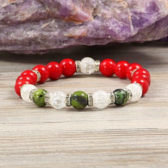 Egyedi ásvány karkötő: 8 mm-es, festett, piros jade, krizopráz, roppantott üveg és köves köztes dísszel