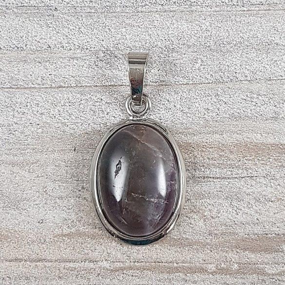Ovális medál, ametiszt, kb. 14x18 mm