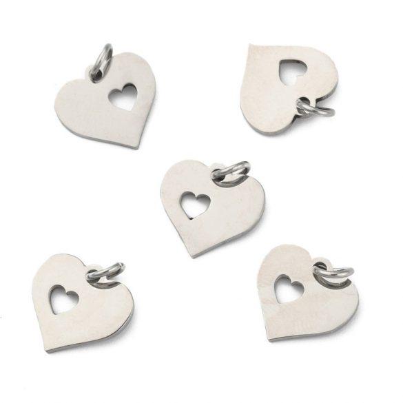 Nemesacél, szív medál, lézervágott szívvel kb. 1,2 cm (2 db)