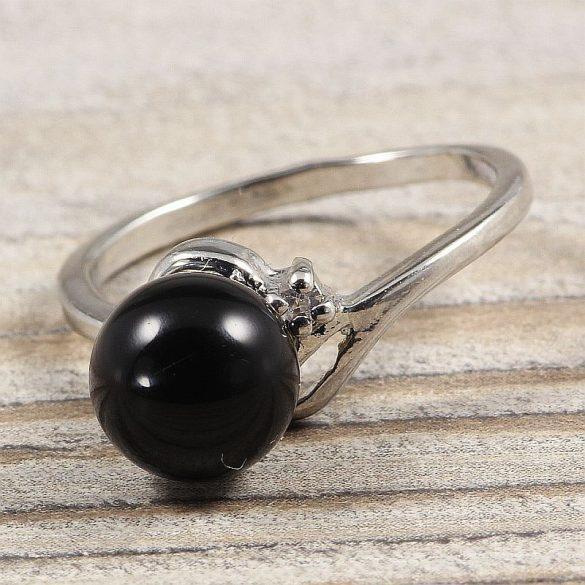 Ásvány gyűrű (1), sima, ónix, kb. 8 mm