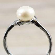 Tenyésztett gyöngyös gyűrű (1), fehér