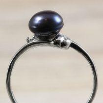 Tenyésztett gyöngyös gyűrű (1), fekete