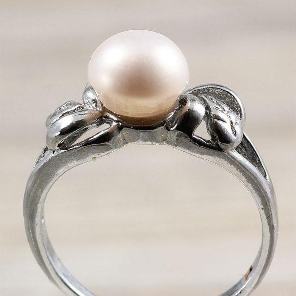 Tenyésztett gyöngyös gyűrű-2, fehér