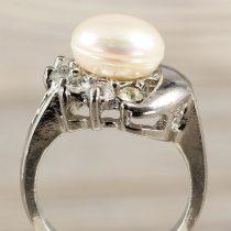 Tenyésztett gyöngyös gyűrű-3, holdas minta, fehér