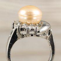 Tenyésztett gyöngyös gyűrű (3), holdas minta, rózsaszín