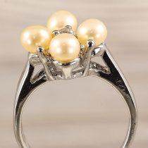 Tenyésztett gyöngyös gyűrű (4), virág, világosrózsaszín