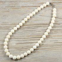 Bambuszkorall, golyós, fehér, 10 mm, 40 cm-es nyaklánc