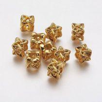 Nemesacél köztes dísz, arany, fonott, kocka, kb. 10x10 mm (1 db)