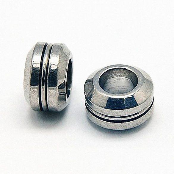 Nemesacél köztes dísz, button forma, csíkkal, kb. 11x7 mm (5 db)