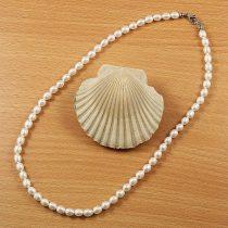 Rizsszemű, fehér tenyésztett gyöngy nyaklánc, 5-6 mm, 45 cm (AA)