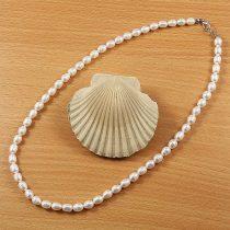 Rizsszemű, fehér tenyésztett gyöngy nyaklánc, 6-6,5 mm, 45 cm
