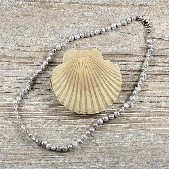 Barokk, szürke tenyésztett gyöngy nyaklánc, 5-6 mm, 40 cm