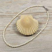 Rizsszemű, fehér tenyésztett gyöngy nyaklánc, 4-5 mm, 40 cm