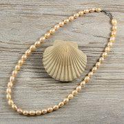 Rizsszemű, barack tenyésztett gyöngy nyaklánc, 7,5-8,5 mm, 50 cm
