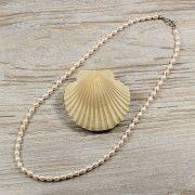 Rizsszemű, fehér tenyésztett gyöngy nyaklánc, 5-5,5 mm, 50 cm (AA)
