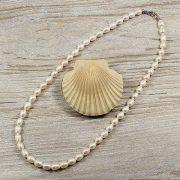 Rizsszemű, fehér tenyésztett gyöngy nyaklánc, 7-7,5 mm, 50 cm (AA)
