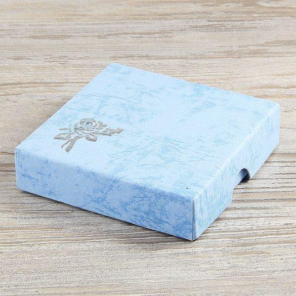 Díszdoboz, selyembéléses, kék, kb. 9x9 cm