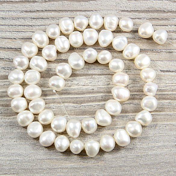 Barokk, fehér tenyésztett gyöngy alapanyagszál, 7,5-8,5 mm, kb. 40 cm