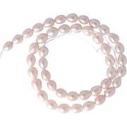 Rizsszemű, lila tenyésztett gyöngy alapanyagszál, 7-8 mm, kb. 40 cm