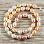 Rizsszemű, multicolor tenyésztett gyöngy alapanyagszál, 8-9 mm, kb. 40 cm